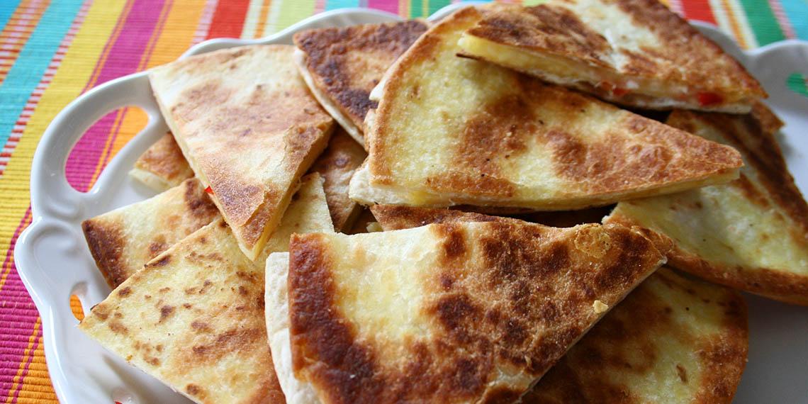 Ost- och chili quesadillas med guacamole